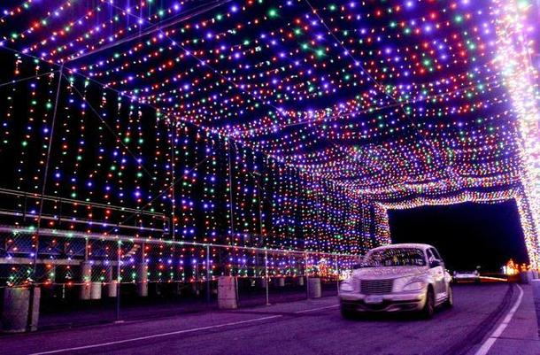 Drive Through Christmas Lights.The Best Christmas Light Displays Around Dallas And Fort Worth